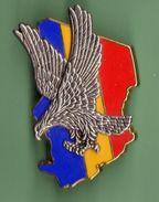 INSIGNE *** Intervention De L'armée Française Au Tchad *** Signe BOUSSEMART *** BROCHE - Militair & Leger