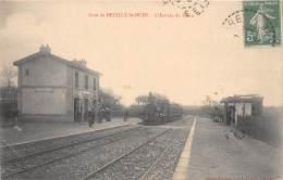 53 - MAYENNE / 531190 - Neuilly St Ouen - Arrivée Du Train - Beau Cliché - Otros Municipios