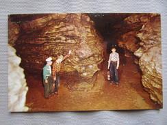 Five Points In The Mark Twain Cave At Hannibal. Dexter 50741 - Etats-Unis