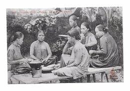 """CPA -  CONCHINCHINE - SAÏGON - Scène De Vie """" Le Repas Des Femmes"""" - Cambodge"""