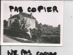 21 MONTBARD CHAR DETRUIT 1940 - Montbard