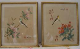 """2  Petits  Tableaux  """"  Japonais """"    Avec Cadres   -  Sur Tissus   :  Dimension  31,5 Cm  X  26,5 Cm - Engravings"""