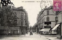 94 LE PERREUX - Rue De La Station - Animée, Voiture - Le Perreux Sur Marne