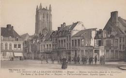Bergues - Maisons Bombardées, Place De La République - Guerre 1914-18