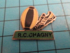 Pin816b Pin's Pins / Beau Et Rare /  SPORTS / RUGBY CLUB RC CHAGNY BALLON OVALE CRAMPONS - Rugby