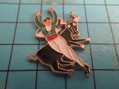 Pin816b Pin's Pins / Beau Et Rare /  SPORTS / VACHE VACHETTE CORRIDA TAUROMACHIE - Bullfight - Corrida