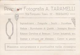 BIGLIETTO DA VISITA CON MARCA DA BOLLO CENT. 50 - PREMIATA FOTOGRAFIA A, TARAMELLI - BERGAMO - 1900-44 Vittorio Emanuele III