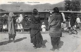 [DC11081] CPA - CEYLAN COLOMBO TYPES INDIENS PRES TRAIN - Non Viaggiata - Old Postcard - Sri Lanka (Ceylon)