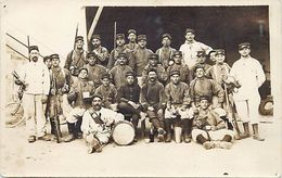 -ref  V704- Guerre 1914-18- Carte Photo- Militaires - Pierrelatte Mai 1915- Carte Photo Bon Etat  - - France