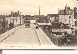 MORET - La Sortie Du Pont - Moret Sur Loing