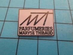 Pin414a Pin's Pins / Beau Et Rare /  PARFUMS / PARFUMERIES MARYSE THIBAUD PARFUM - Perfume