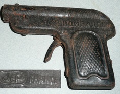 Rare Ancien Jouet Tôle Pistolet En Métal à Bouchon Bouchons De La Marque JEP BOMBARDE - Jouets Anciens