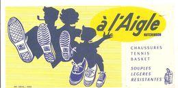 Buvard à L'Aigle HUTCHINSON Chaussures Tennis Basket Souples Légères Résistantes - Schoenen