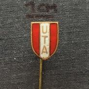 Badge (Pin) ZN005957 - Football (Soccer / Calcio) Romania UTA Arad - Voetbal