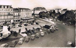 TARBES (Hautes Pyrénées) - Place De Verdun Vers L'Hotel Moderne - Tarbes