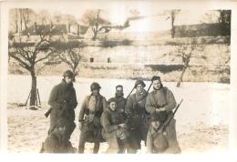 PHOTO  SCENE DE CASERNE   FORMAT  8.50 X 6 CM - Guerre, Militaire
