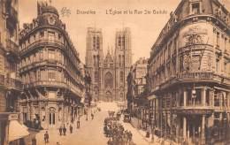 BRUXELLES - L'Eglise Et La Rue Ste Gudule - Lanen, Boulevards