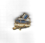 Pin's  Automobile  PEUGEOT  205  Style  Bleu - Peugeot