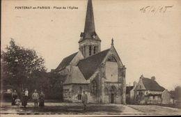 CPA 95 Fontenay En Parisis Place De L'Eglise Militaires En Uniforme - Autres Communes