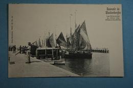 Souvenir De Blankenberghe Les Estacades Au Retour Des Bateaux De Pêche - Blankenberge