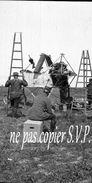 Guerre 14-18 AVIATION DEMONTAGE D UN APPAREIL VOISIN Négatif Pris Par Militaire Escadrille VB 110  MONTDIDIER 1915 - 1914-18