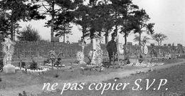 Guerre 14-18 AVIATION CIMETIERRE MILITAIRE VUE GENERALE Négatif Pris Par Militaire Escadrille VB 110  MONTDIDIER 1915 - 1914-18