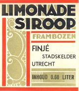 1528 - Pays Bas - Limonade Siroop  - Frambozen - Finjé Stadskelder - Utrecht - Inhoud 0.60 Liter - Labels