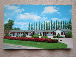 Knox Villa Motel, Knoxville, Illinois. 14 Units Each With Private Bath, Knotty Pine Walls, Hot Water Heat, All Rooms Air - Etats-Unis