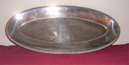 """Plat  """"  Guy  Degrenne  """"   Des Années  80  Dimension  60 Cm  X  27 Cm    ( Valeur Neuf  130 à 150 € ) - Dishes"""