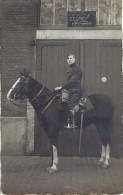 10 Eme Régiment D'artillerie  De Namur  écurie Du Commandant Capitaine Descamps Son Cheval Carte Photo (thiel) - Guerra, Militari