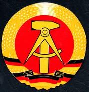 3335 - Emblem Der DDR - Staatswappen TOP - Pin's & Anstecknadeln