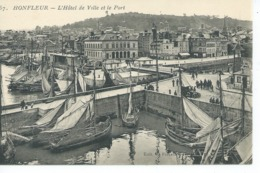 CPA HONFLEUR L Hotel De Ville Et Le Port Non Ecrite N071 - Honfleur