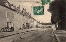 21 BLIGNY-sur-OUCHE Un Côté De La Place - Autres Communes