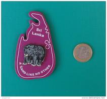 Magnet Plat En Plastique Dur - Aimant - Eléphant Collé - Sri Lanka - A Land Like No Other - Tourisme