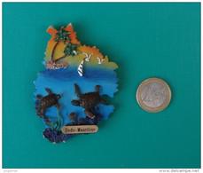 Magnet En Résine Dure Et En Relief - Aimant - île Maurice - Mauritius - Dodo - Tourism