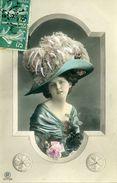 Portrait D'un Enfant Avec Un Chapeau. - Portraits