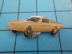 Pin414c Pin's Pins / Beau Et Rare / AUTOMOBILE /  FORD MUSTANG BLANCHE - Ford