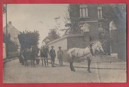 Attelage Dans Une Rue... Transport De Bois ... Personnages ...  à Situer - Cartes Postales