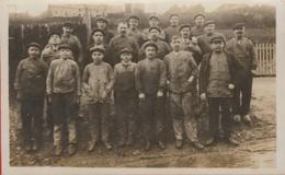Groupe D'ouvriers ...  à Situer - Cartes Postales