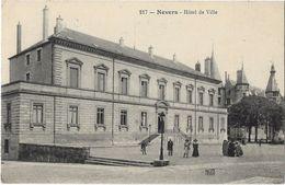 Nevers - L'Hôtel De Ville - Nevers