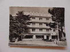 Carnac, Hôtel-restaurant-bar L'Armoric. - Carnac