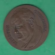 Ancienne Médaille Winston Churchill C.D.B - France
