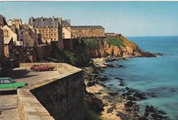 50. GRANVILLE. LA TOUR DU ROC LES REMPARTS ET LES CASERNES. ANNÉE 1979 - Granville