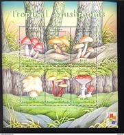 ANTIGUA & BARBUDA   2432 MINT NEVER HINGED MINI SHEET OF MUSHROOMS   ( - Pilze