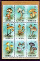 LIBERIA    1330  MINT NEVER HINGED MINI SHEET OF MUSHROOMS - Paddestoelen