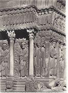 ARLES (B. Du Rh.) - 10.484 .- Détail Du Porche De St. Trophime - Arles