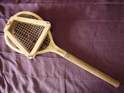 RAQUETTE PETITE LONGUEUR  61 CM   ANCIENNE - Tennis