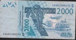 W.A.S. LETTER S GUINEA BISSAU P916Sl ? 2000 FRANCS  2014 FINE Folds 2 P.h. ! - West African States