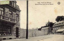 YVOIR SUR MEUSE  Grand'Place Vers La Rue  Blacet - Yvoir