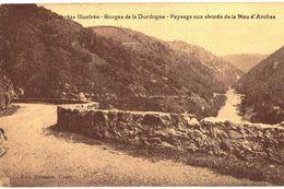 CPA N°13486 - LOT DE 2 CARTES ROCHE DE L' AIGUILLE PRES NAUZENAC + PAYSAGE AUX ABORDS DE LA NAU D' ARCHES - Other Municipalities